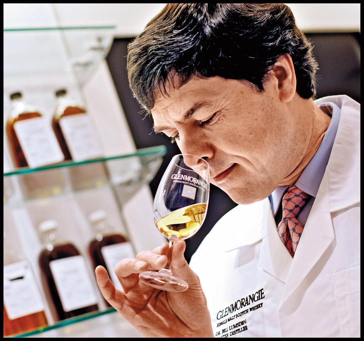 格蘭傑首席調酒師比爾梁斯敦博士,調酒時充滿了創意,「私藏系列」就是他近10年來的風味實驗室。