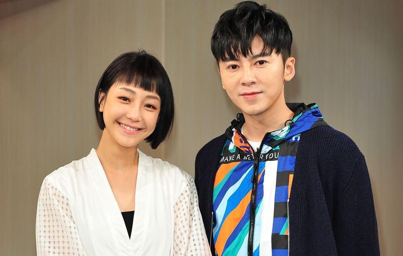 謝欣穎(左)及李國毅(右)合拍新戲,2人為了角色下足苦工,李國毅還被媽媽誤以為中邪。(台視提供)