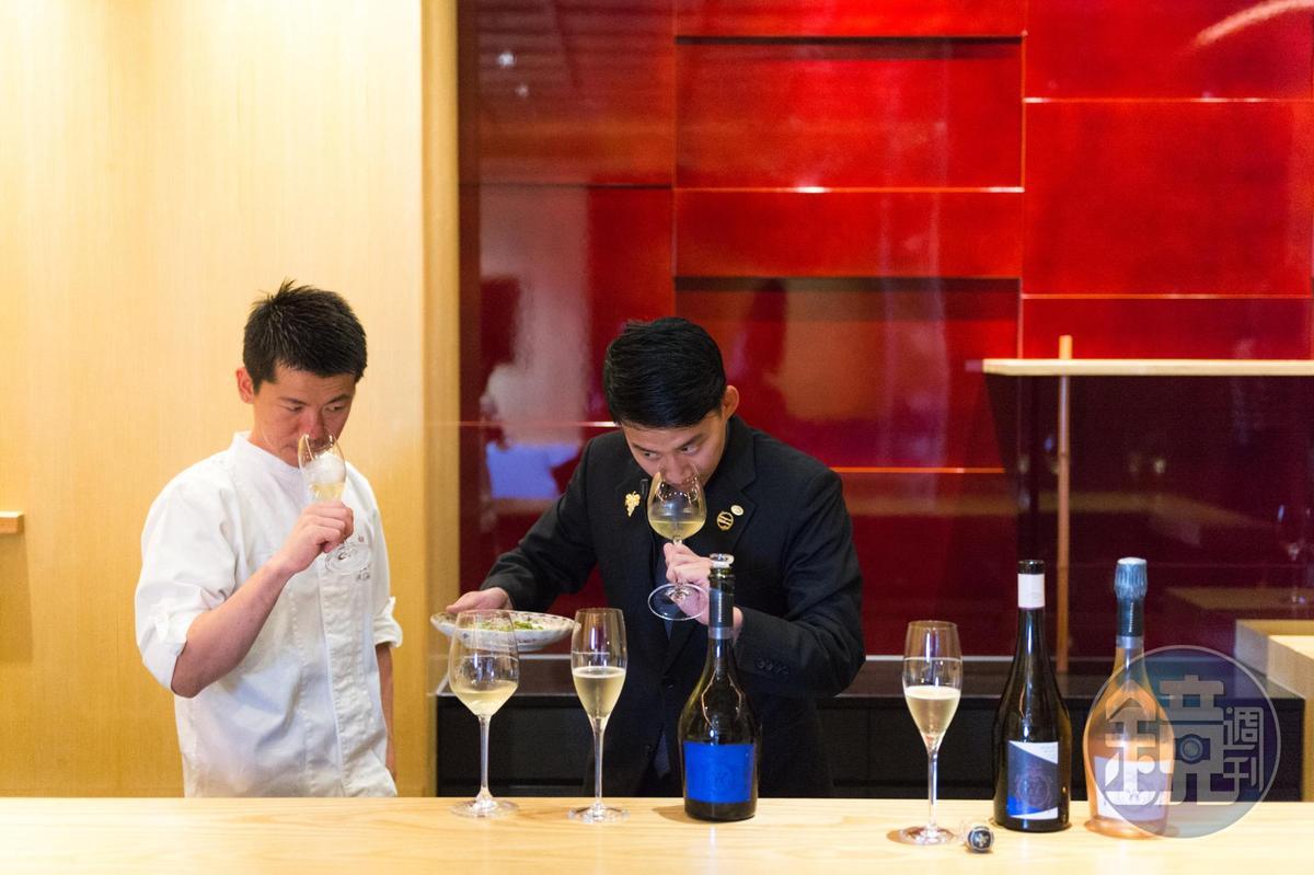 餐酒搭配是祥雲龍吟非常重視的一環,主廚與侍酒師會一起試菜討論。