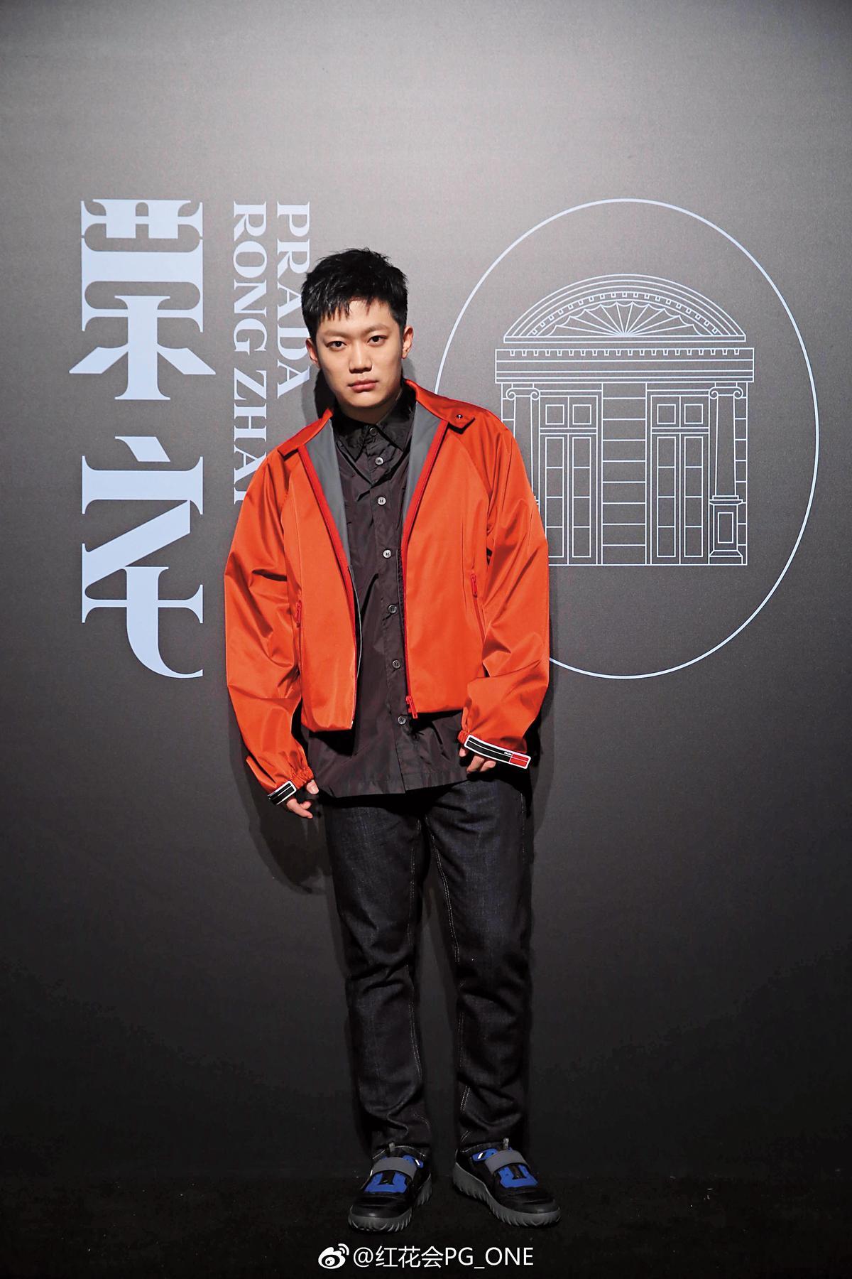中國歌手PG ONE被爆出與好友賈乃亮的愛妻李小璐過夜。