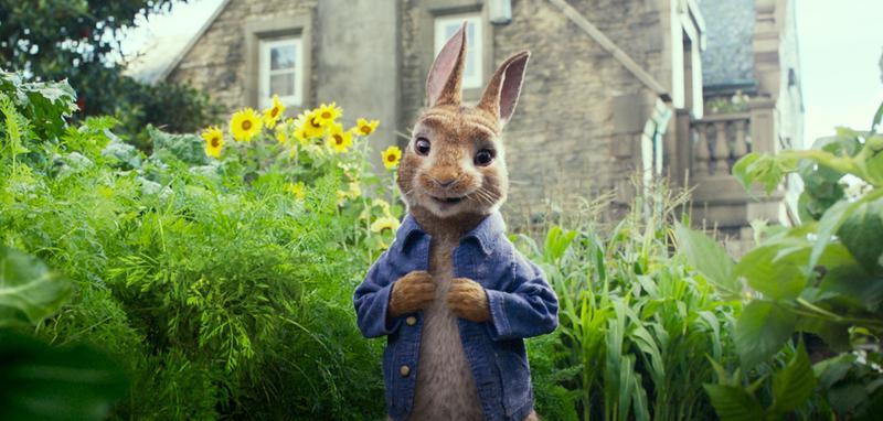 《比得兔》從童書躍上大銀幕,強調他淘氣、頑皮的個性。(索尼影業提供)