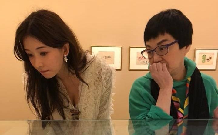 蔡康永在臉書PO出他陪小燕姐和林志玲看常玉展。(翻攝自蔡康永臉書)