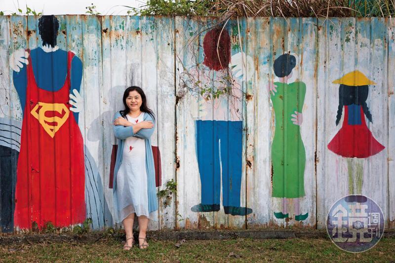 擁抱自己的身體,訴說自己身體的故事,周雅淳在台灣各地推廣性別教育,也獲得救贖和重生的力量。