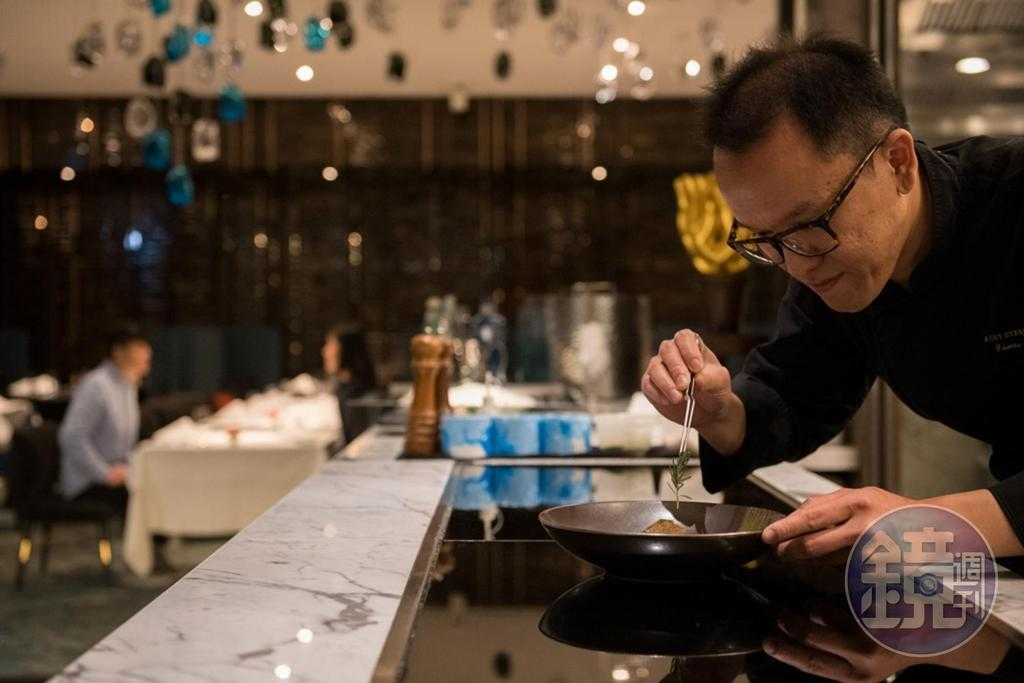 開放式廚房,能讓客人零距離欣賞廚藝秀。