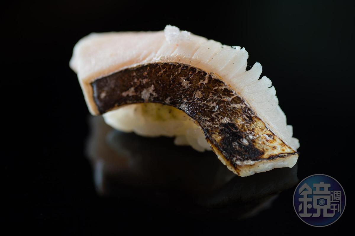 土魠魚握壽司。