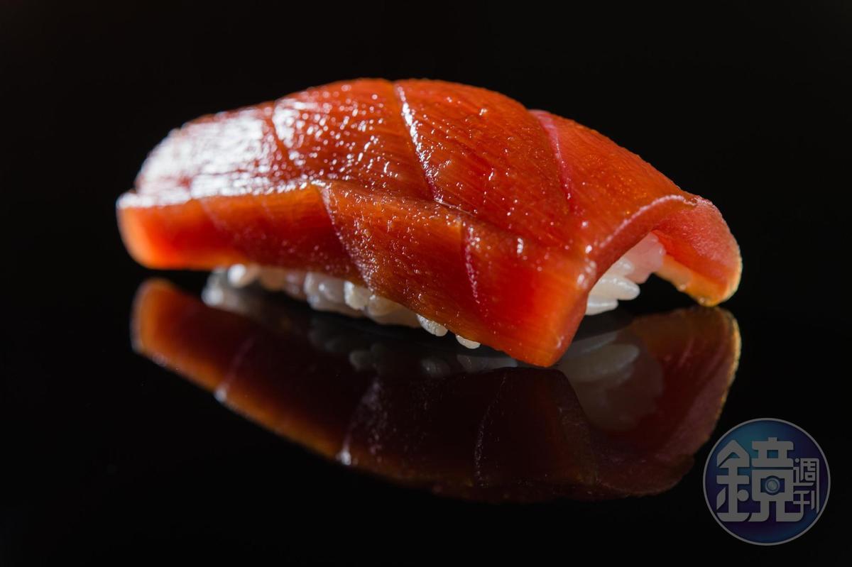鮪魚赤身握壽司。