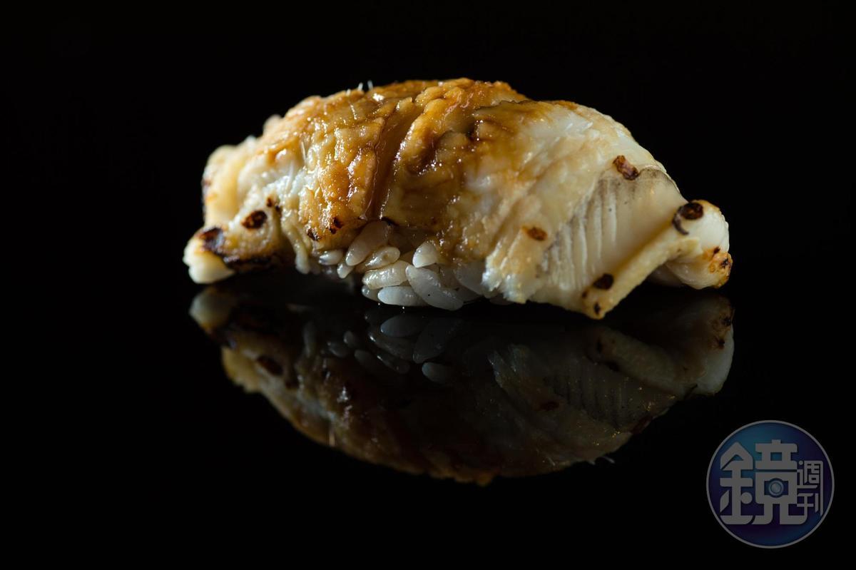 星鰻握壽司。