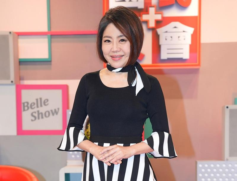 于美人主持《國民大會》節目,將改到晚上11點播出。(TVBS提供)