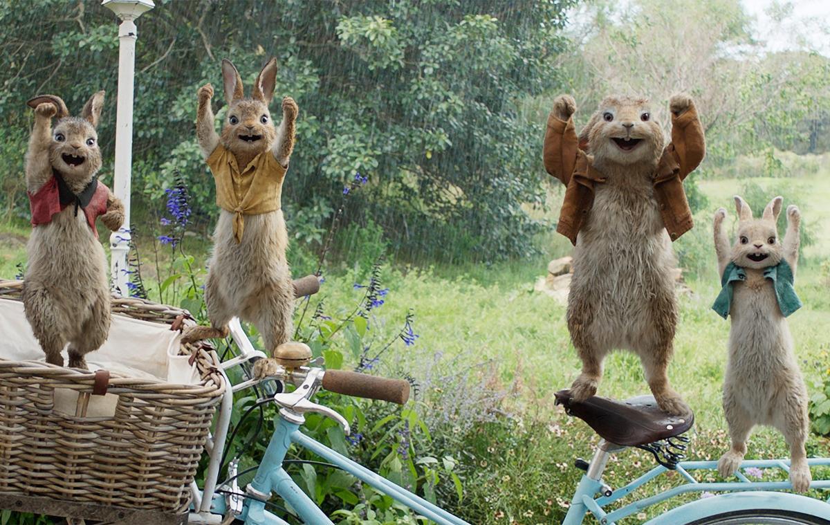 《比得兔》配音星光熠熠,「小丑女」瑪格羅比與「星戰妹」黛西蕾德莉分別為比得的兔妹妹獻聲。(索尼提供)