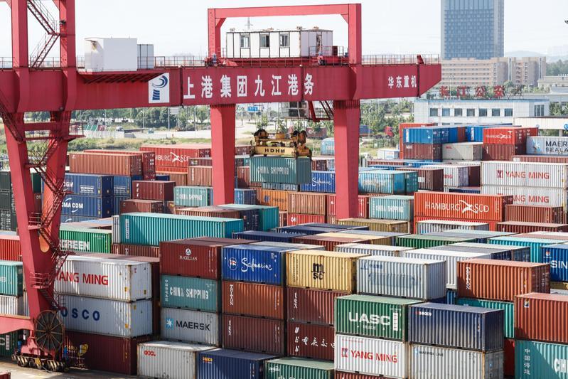 中美貿易大戰箭在弦上,雙方均提高進口關稅,將增加國內進口商成本。(東方IC)