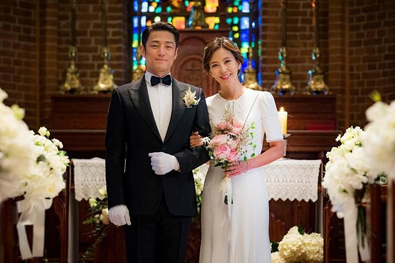 金南珠(右)、池珍熙主演的《Misty謎霧》,在韓國播出時創下相當於有線電視逾30%的驚人收視率。(KKTV提供)