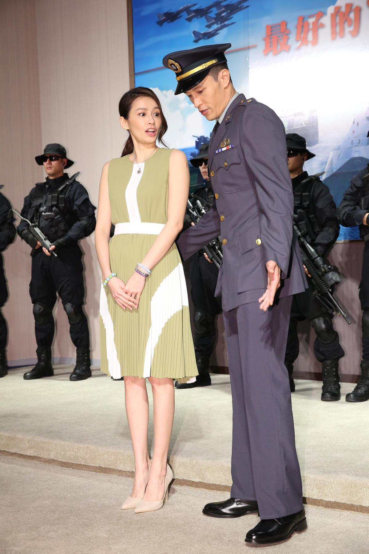 袁艾菲(左)和陳禕倫在《最好的選擇》中飾演男女主角並發展出情愫。