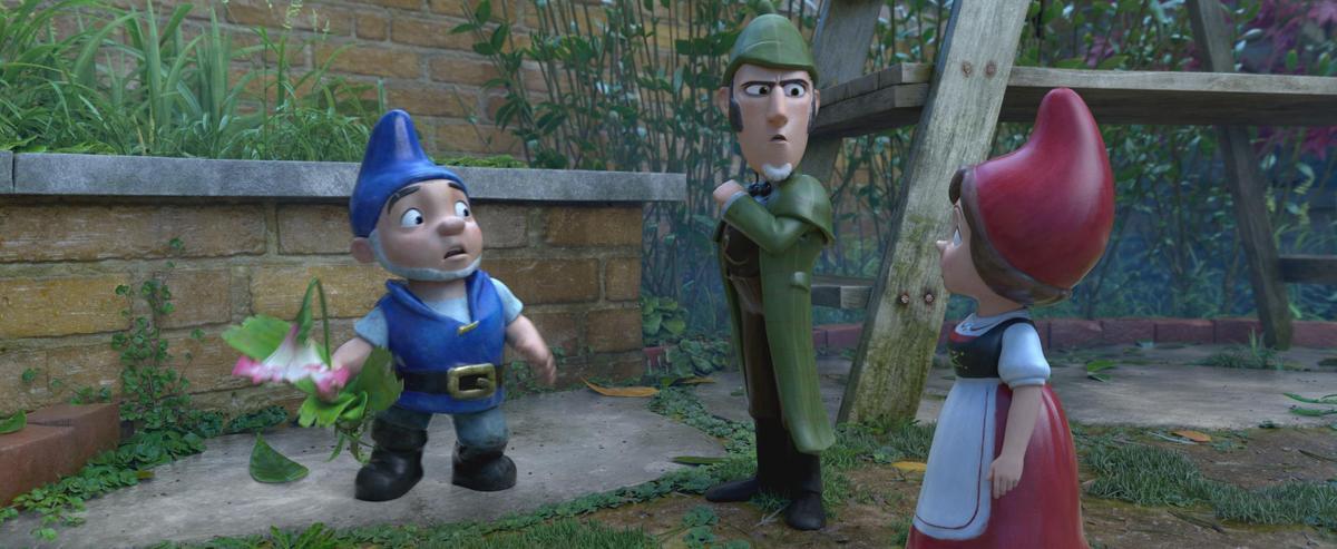 延續《糯米歐與茱麗葉》,英國常見的花園裝飾小矮人又回來了。(UIP)