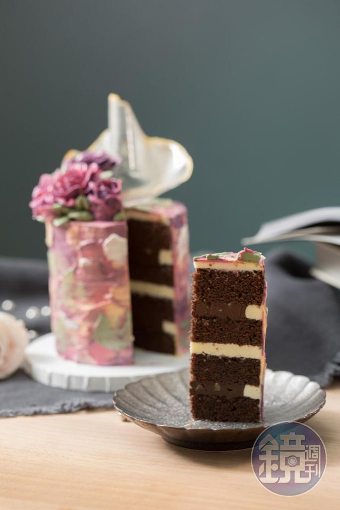 蛋糕體有多種口味可選,巧克力榛果甘納許磅蛋糕濕潤,甜度很剛好。