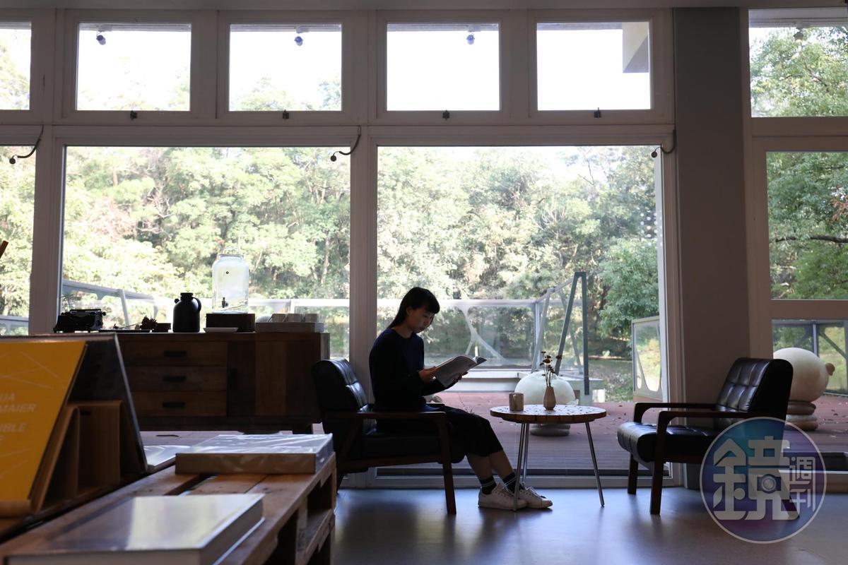 「思空間」營造居家書房般舒適氛圍。