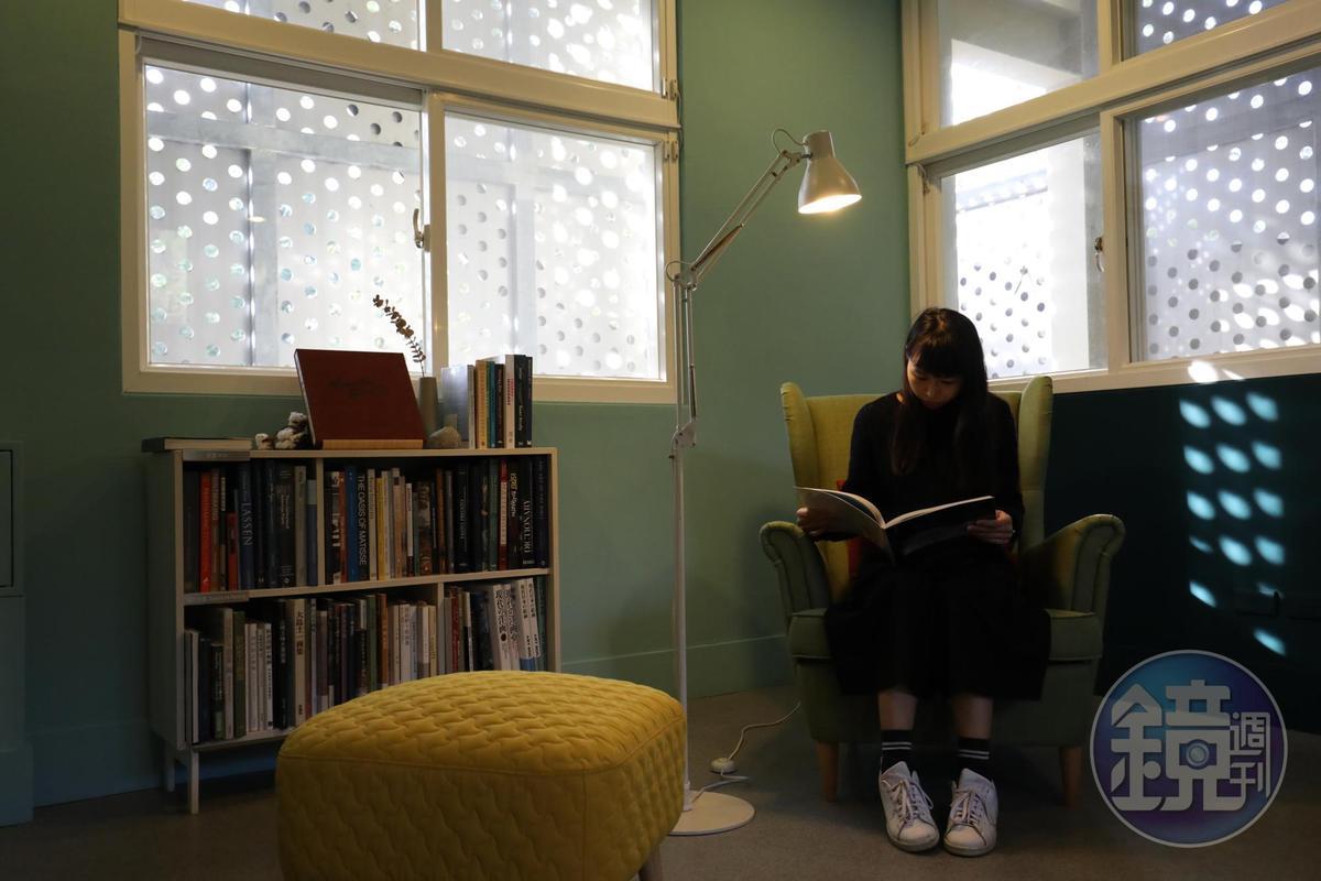 思空間有不同的閱讀角落。