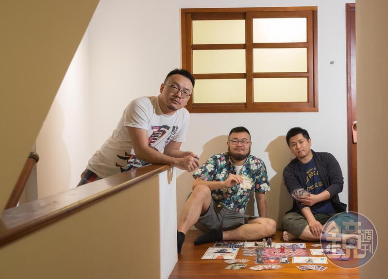 桌遊《敢愛就來》將同志議題帶入遊戲,由左至右為遊戲機制設計師陳智帆、動畫製作邱煥升、製作人張少濂。