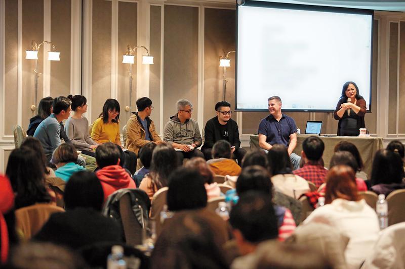 皮克斯故事總監史考特莫斯(右二)日前應邀來台舉行動畫講座和工作坊。(台灣角色動畫論壇提供)
