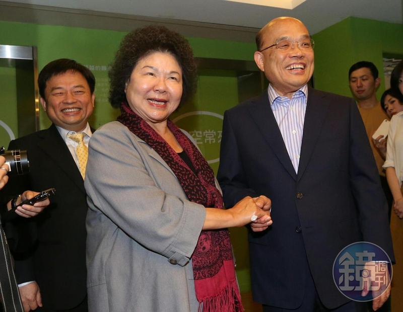 高雄市長陳菊(中)、民進黨選對會召集人林錫耀今下午拜會前行政院長蘇貞昌(右)。
