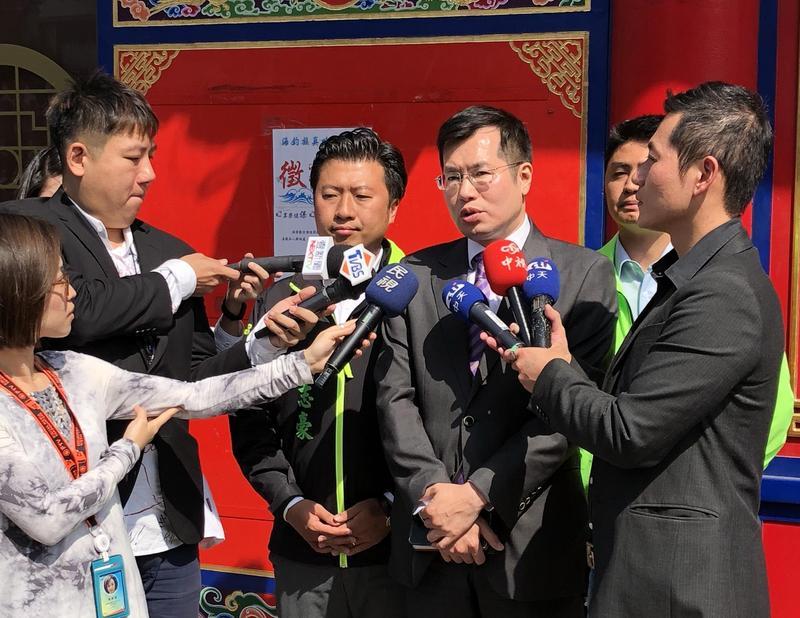 民進黨立委羅致政今午與挺游議員餐敘,會後接受媒體訪問。