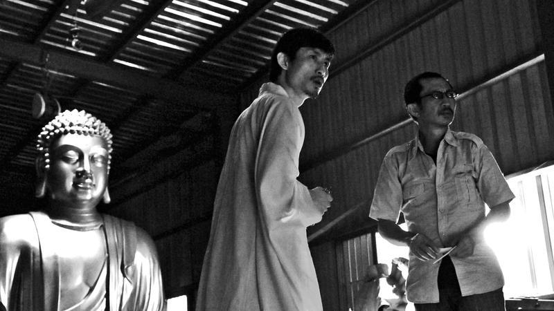 短片《大佛》是電影《大佛普拉斯》的前身,片中的佛像工廠選在高雄拍攝。(高雄電影館提供)