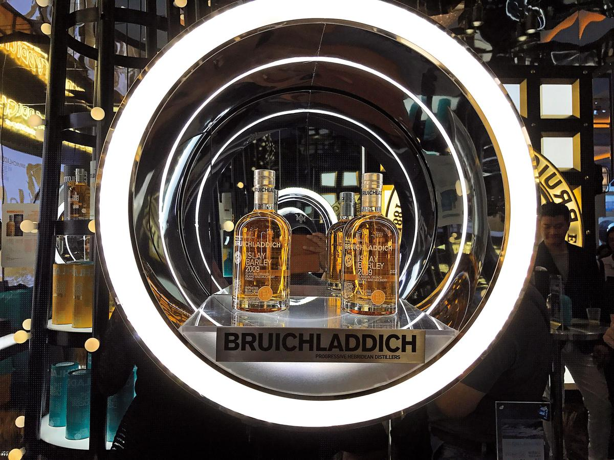 植物學家琴酒也是詹麥文的力作,在當年布萊迪的酒尚未足夠陳年時,先上市替酒廠爭取收入。