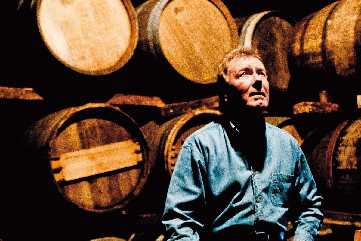 詹麥文不僅是大師也是老頑童,他說每天都會到酒窖跟橡木桶說說話。