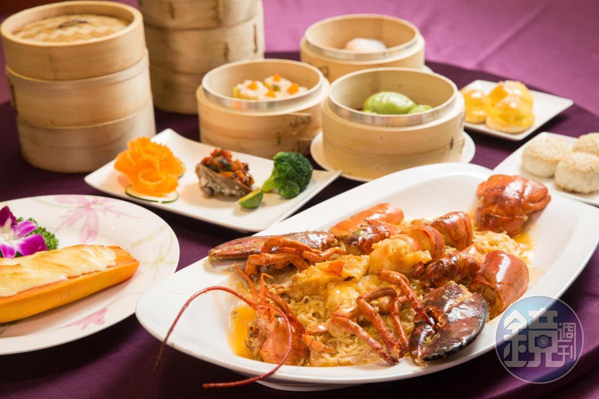 大三元酒樓販售正宗粵菜,從大菜上湯龍蝦意麵、招牌海鮮焗木瓜、鮮茄大生鮑到百元港點,使用大量海鮮入菜。