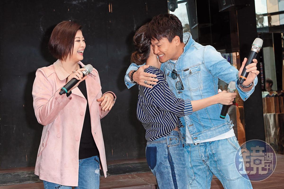 盛傳白家綺之後,王建復的新緋聞女友正是蘇晏霈,方馨(左)在一旁看好戲。