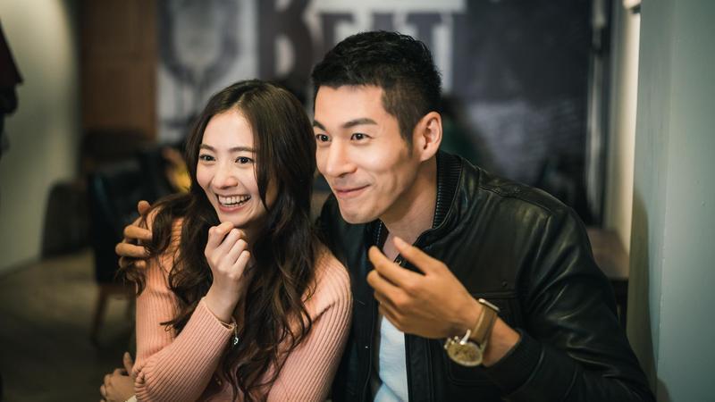 在戲中,郭鑫與謝沛恩扮新婚夫妻,幸福的背後有渣男真相。(歐銻銻娛樂提供)