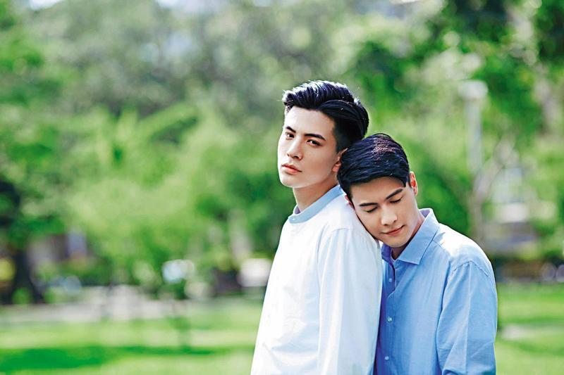 林柏叡(右)最近搭上BL劇熱,因為《深藍與月光》廣受粉絲歡迎,他同時也是凱渥男模。