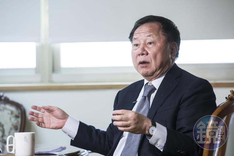 文大董事李傳洪針對遭張鏡湖刊登廣告指控圖謀校產感到無奈,表示不能因為校長遴選結果不如張鏡湖預期,就因此遷怒董事。