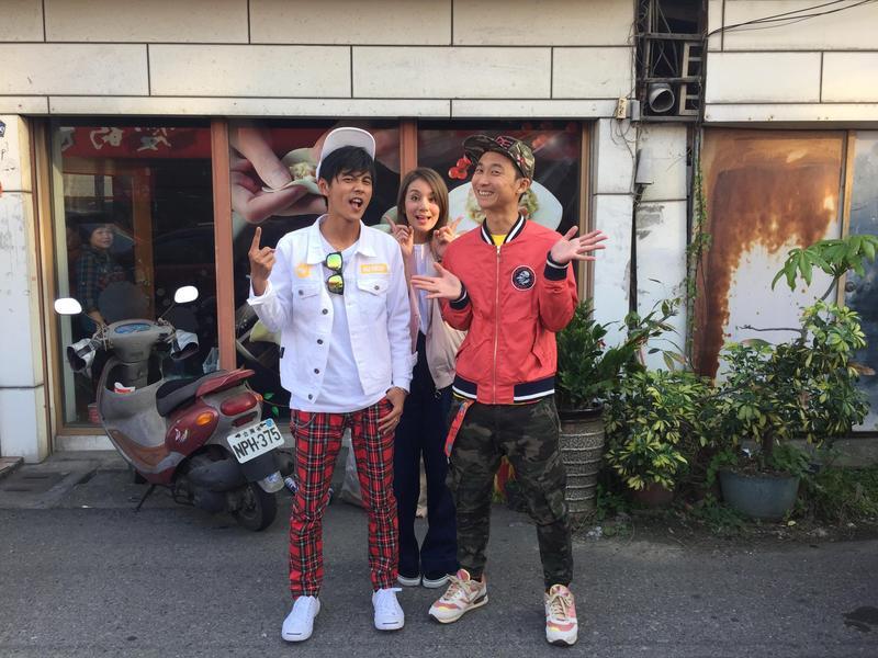 莎莎、浩子、阿翔6年沒合體,再一起主持特別鬧。(TVBS提供)
