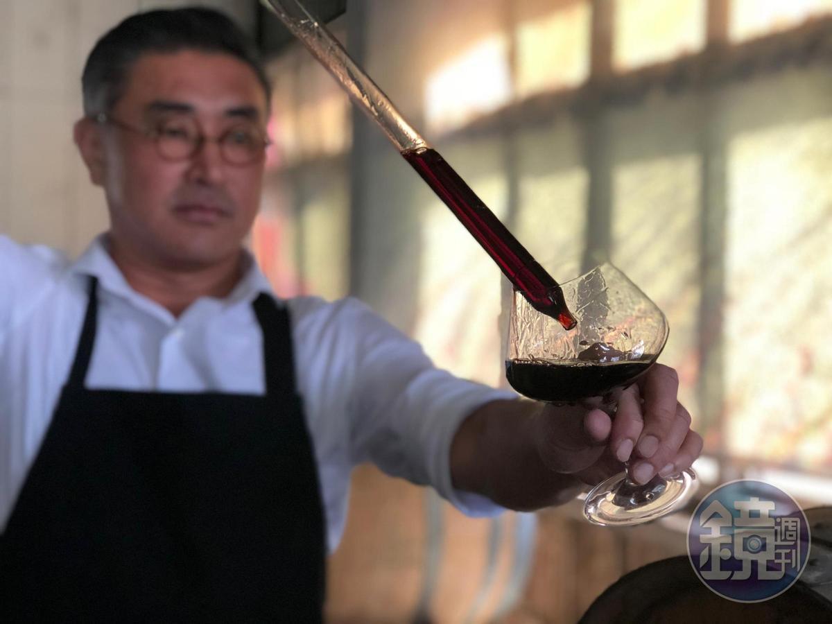 紅埔桃酒以黑后葡萄為基底,有蜜餞、烏梅糖香。