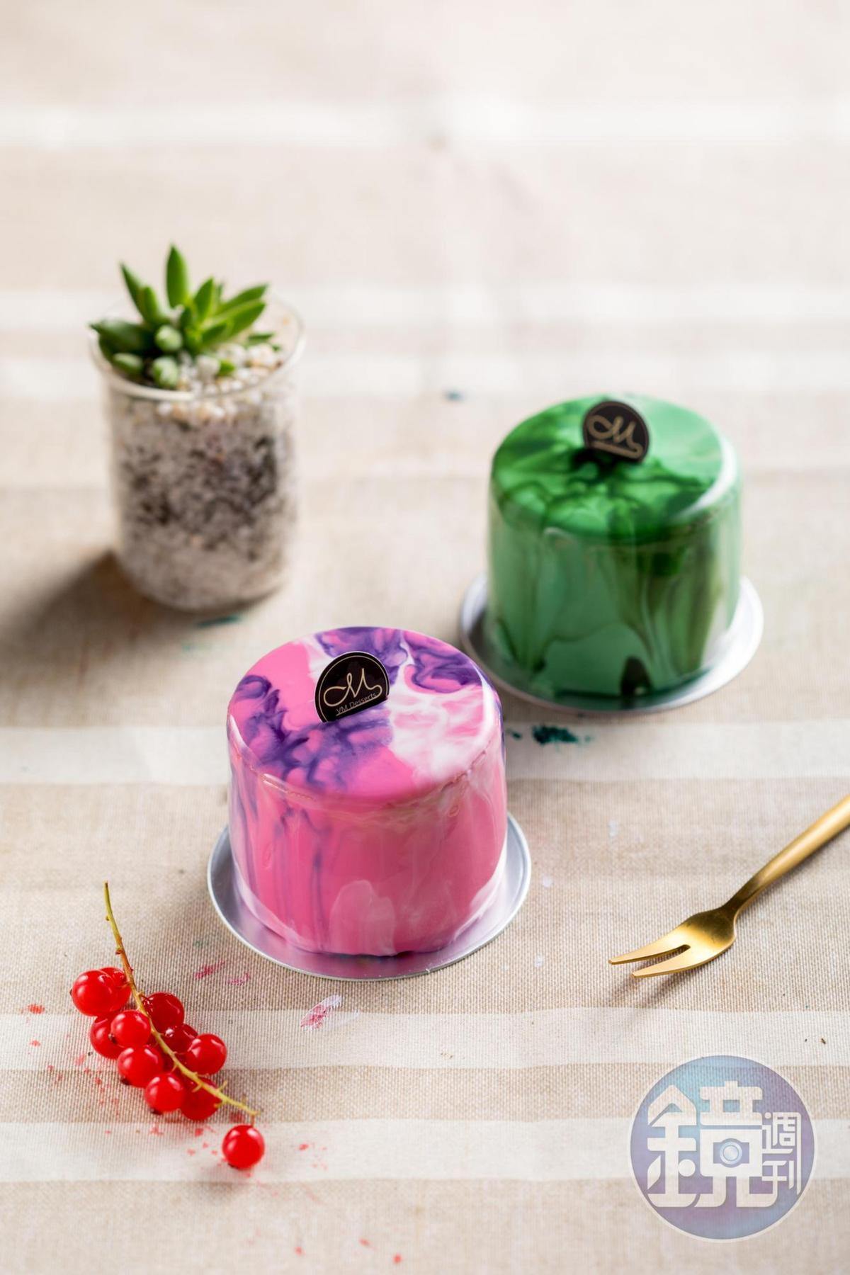 「星空系列」鏡面蛋糕單點350元,建議點附200元以下飲料的「雙人甜點組合」卡划算。(950元/套,飲料超價補差額)