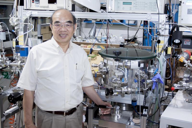 中研院院士吳茂昆是物理學家,曾因發現世界第一個高於液態氮的超導體被提名諾貝爾物理獎。(翻攝自中研院研之有物)