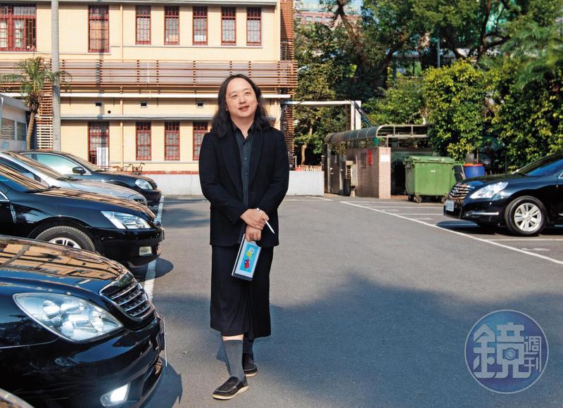 在專訪中,總統蔡英文特別點名政務委員唐鳳,說自己聽過她的簡報後,所有內容都記住了,直稱她是溝通典範。