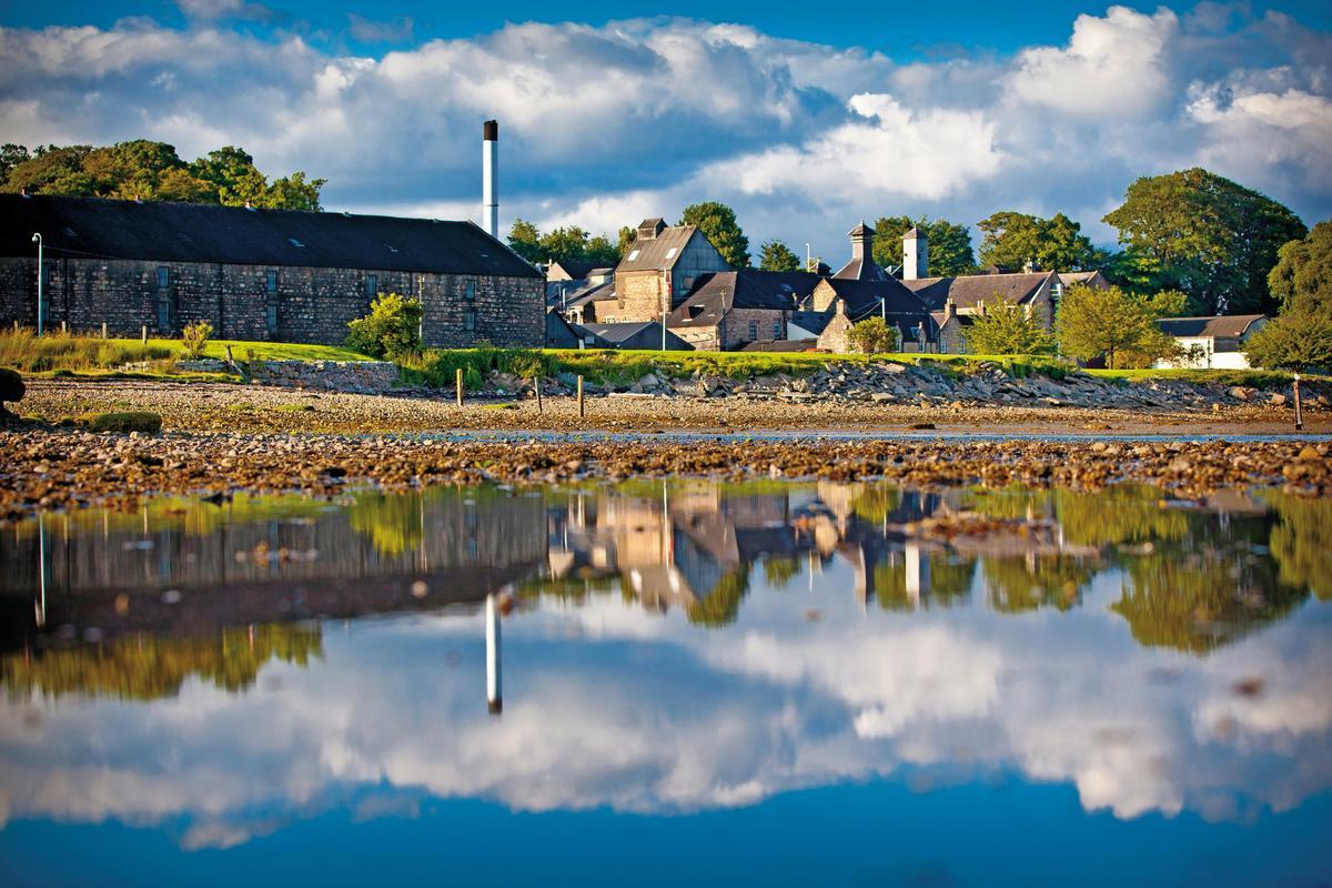 大摩單一麥芽蘇格蘭威士忌酒廠,是懷特馬凱集團旗下的金雞母。