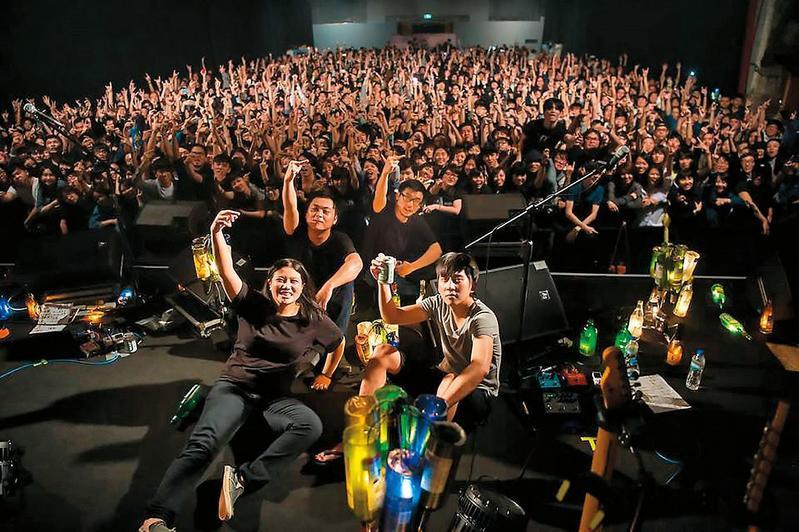 去年金曲大贏家「草東沒有派對」將在全球35個大城市展開《如常》巡迴演唱,大團氣勢已成。(草東沒有派對提供)