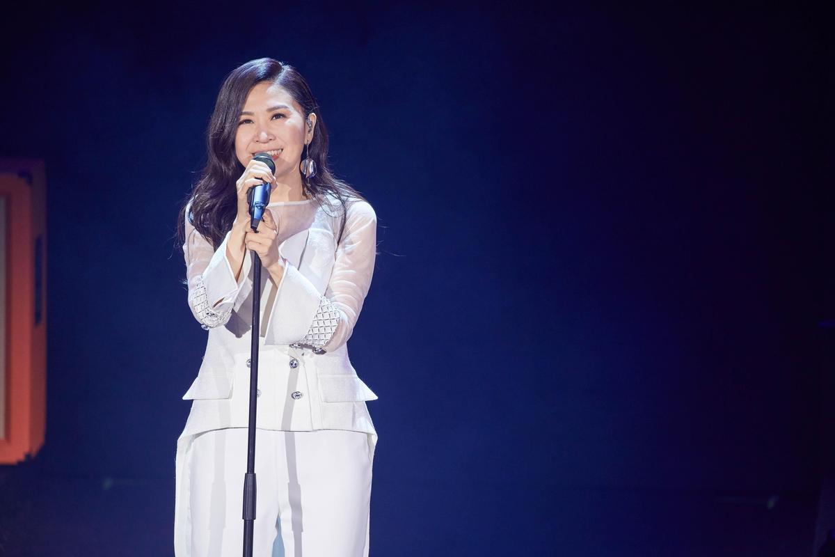 華語歌壇受人尊敬的馬毓芬剛結束人生首場演唱會,再推出新歌〈好想讓你看看現在的我〉。(寶達國際提供)