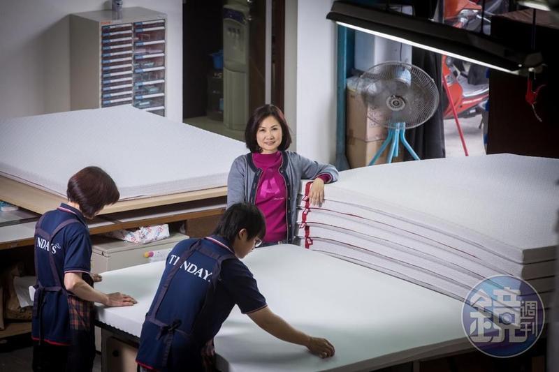 譚芙芩在床墊市場耕耘逾30年,17年前創立量身紓壓床枕品牌TENDAYs,成為歷任正副元首都買單的總統級名床。
