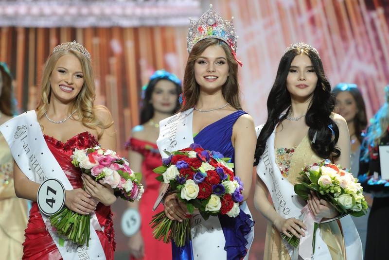 研究顯示外貌會影響人的成就與收入高低,圖為俄羅斯小姐選美。(東方IC)