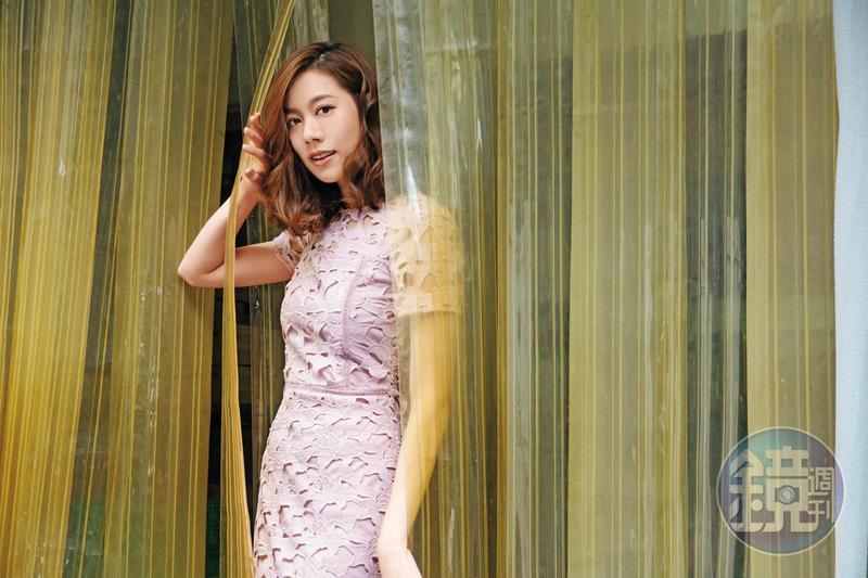 來自馬來西亞的黃之豫是2013年Astro國際華裔小姐選美冠軍,氣質出眾的她被指像港星徐子淇。