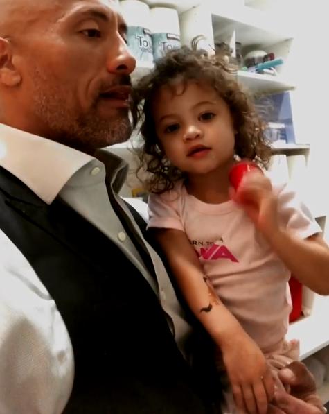 巨石強森與二女兒Jasmine Lia。 (翻攝自Dwayne Johnson IG)