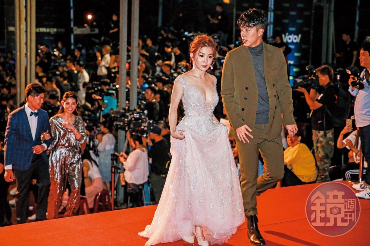郭書瑤與蔡凡熙(右)合演《通靈少女》傳出緋聞,據傳還影響到她與金陽的感情。