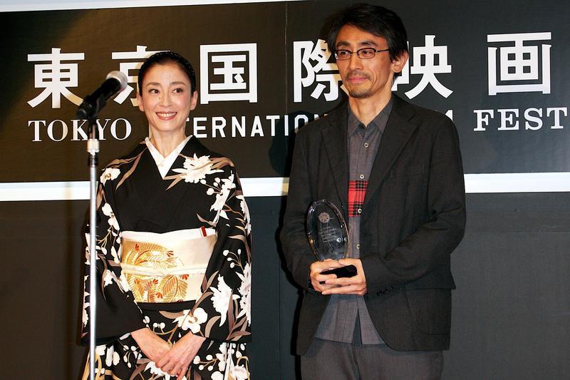 吉田大八(右)以《紙之月》獲東京影展觀眾票選獎,也讓宮澤理惠拿下東京影展影后。(東方IC)