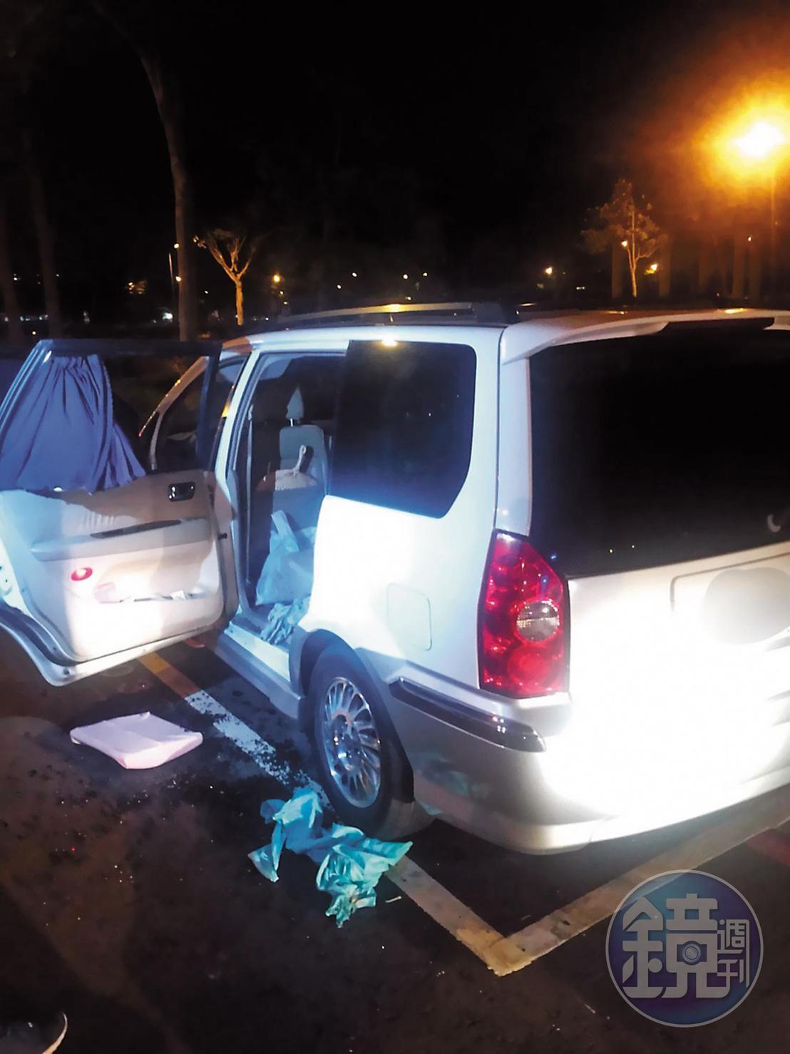 高雄吳姓女子多年來照顧重度身心障礙的妹妹,21日帶著妹妹在車上燒炭自殺。(翻攝畫面)
