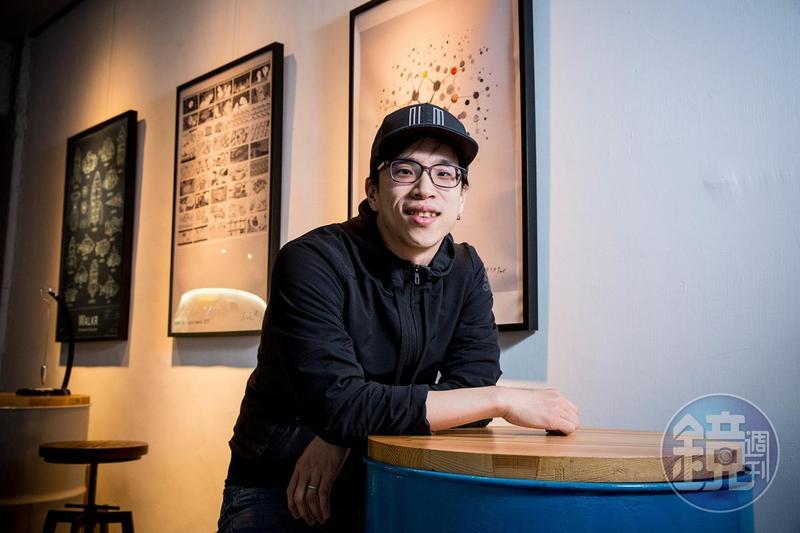 陳威帆創立四合願,致力於推出「好玩」產品,讓人們用有趣的態度面對枯燥乏味的事。