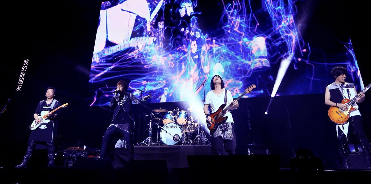 五月天重新詮釋經典〈後來的我們〉受歌迷熱烈迴響。(KKBOX提供)