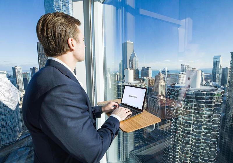站著辦公,和走動式管理等概念,近幾年在歐美相當流行。(東方IC)
